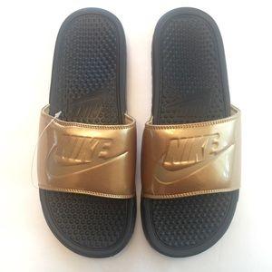 Nike benassi slides sandal